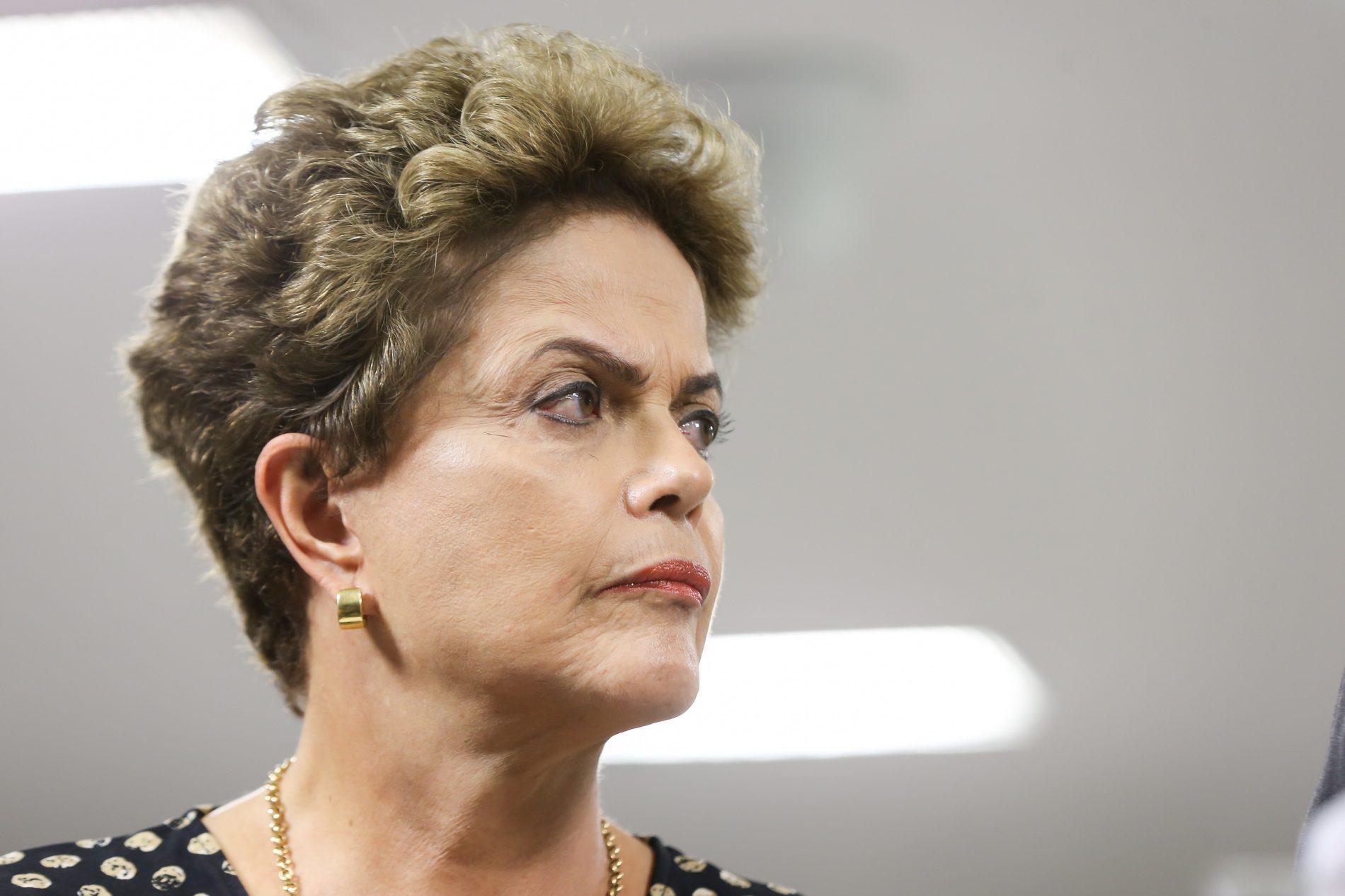 Defesa de Dilma no TSE muda estratégia para preservar direitos políticos