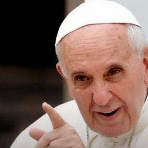 """""""Não tenham medo de combater a corrupção"""", pede Papa a brasileiros"""