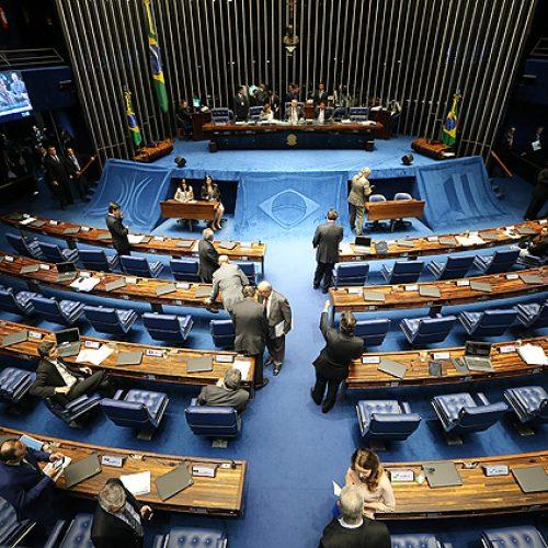 Senado aprova em 1º turno criação de cláusula de barreira para próximas eleições
