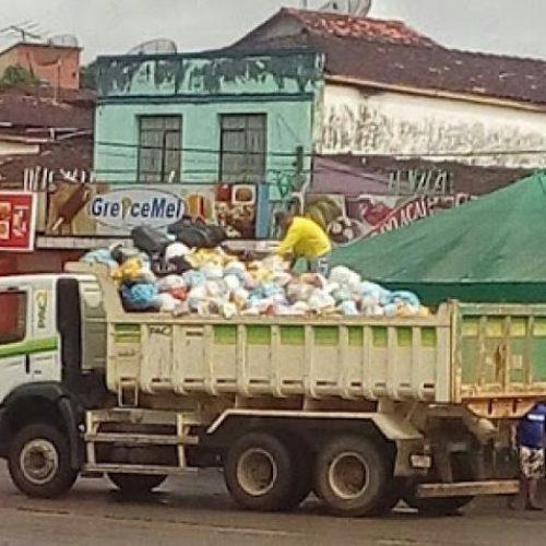 Caçamba do PAC é usada para coleta de lixo em Ibirataia