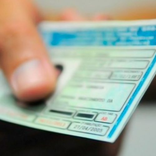Carteira Nacional de Habilitação terá cor nova a partir de janeiro