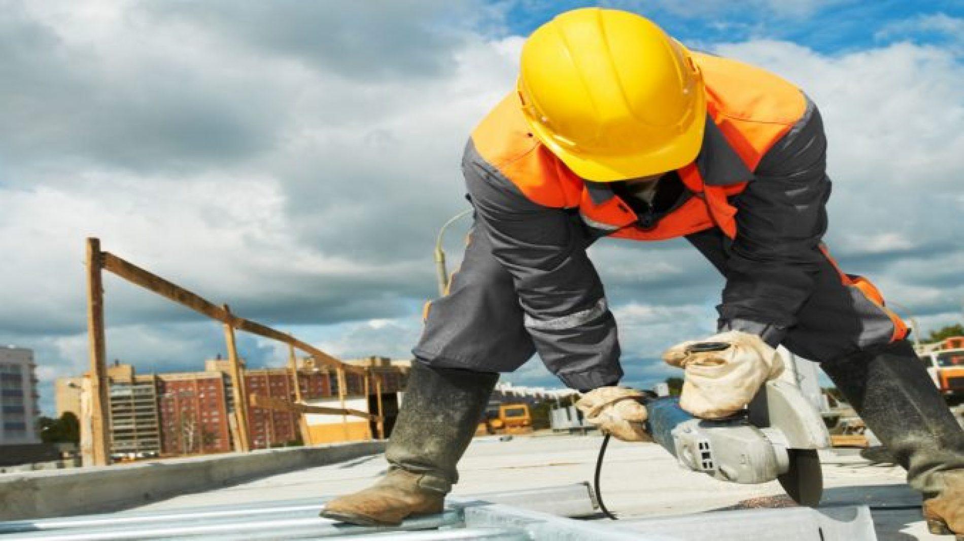 Custo unitário básico da construção civil fica estável em novembro