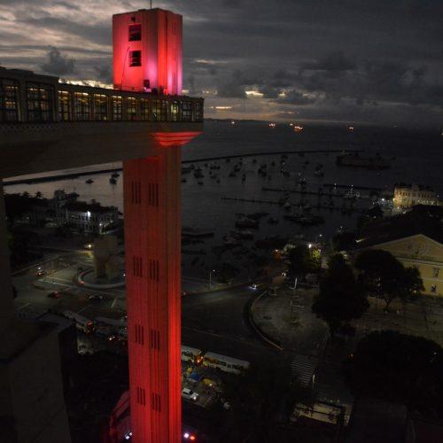 Elevador Lacerda estará em vermelho na luta pelo combate à Aids