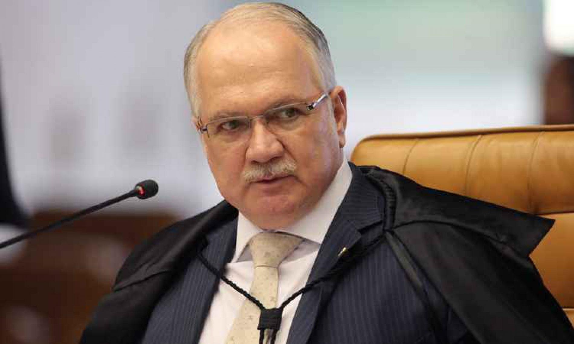 Fachin pede que PGR se manifeste sobre ação contra Renan