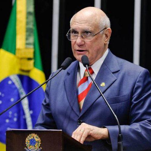 Senador Lasier Martins se desfilia do PDT, após desentendimentos com Carlos Lupi