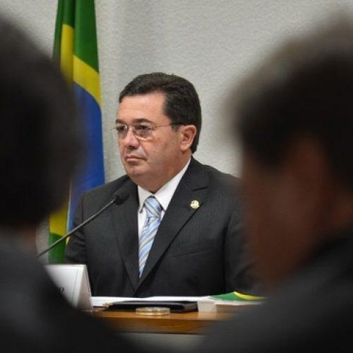 Procuradores pedem que ministro do TCU se afaste de casos da Petrobras