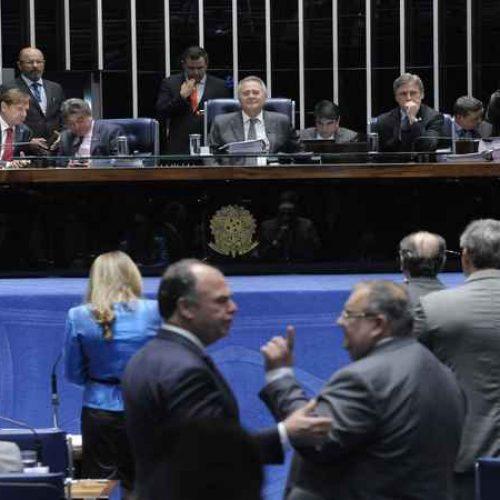 Senado aprova PEC do Teto de gastos