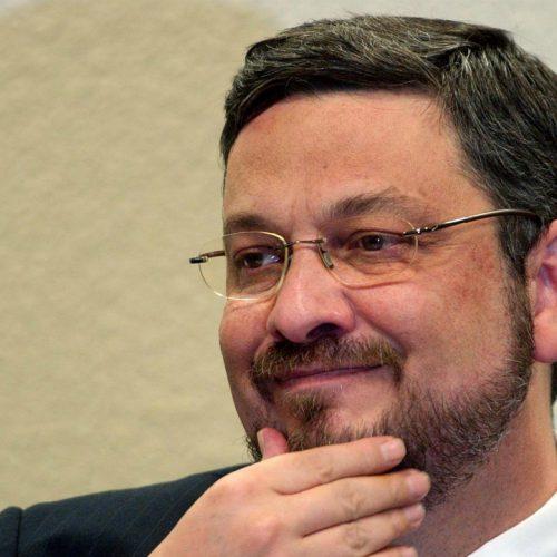 Por unanimidade, a Quinta Turma do STJ mantém Palocci na prisão