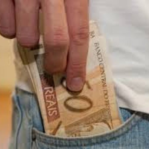 Receita paga restituição residual do Imposto de Renda da Pessoa Física