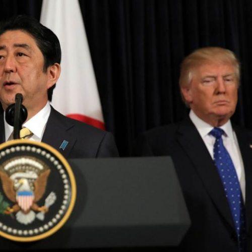 Abe critica míssil da Coreia do Norte e Trump apoia Japão