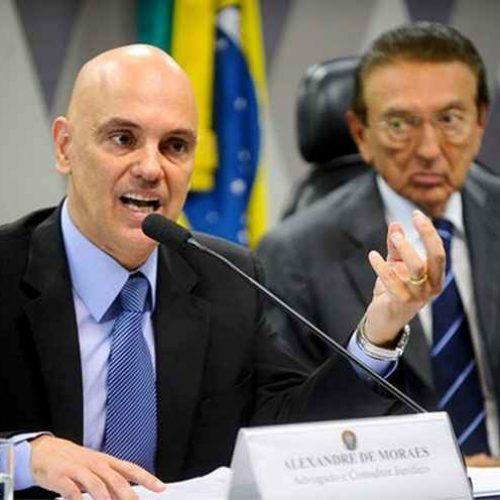 Alexandre de Moraes é aprovado por comissão do Senado para o STF