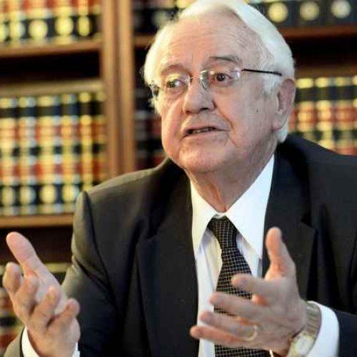 Carlos Velloso recusa convite para assumir o Ministério da Justiça