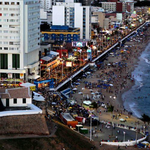 Carnaval movimenta rede hoteleira e injeta R$ 1,5 bilhão na economia