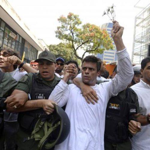Justiça venezuelana confirma condenação do líder de oposição Leopoldo López