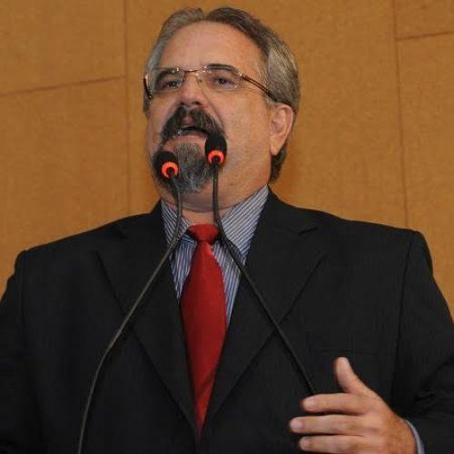 Terceirização destrói CLT e governo age como terrorista, afirma Galo