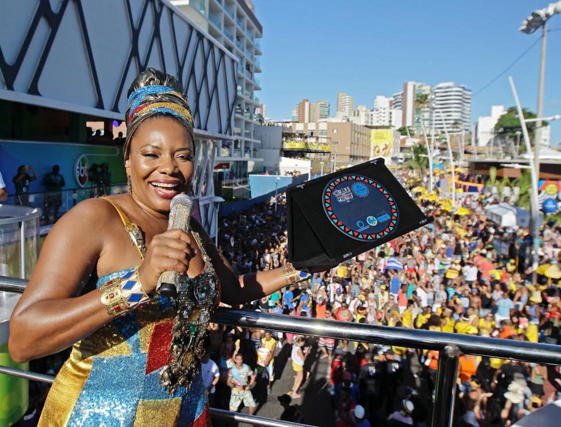 Margareth é homenageada pela Prefeitura por ações de sustentabilidade