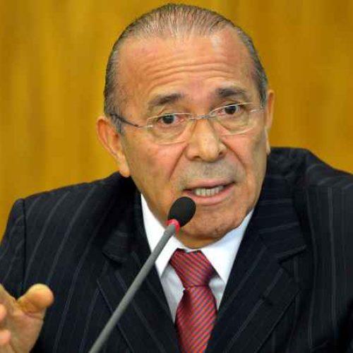 Ministro Eliseu Padilha passa mal e é internado em Brasília
