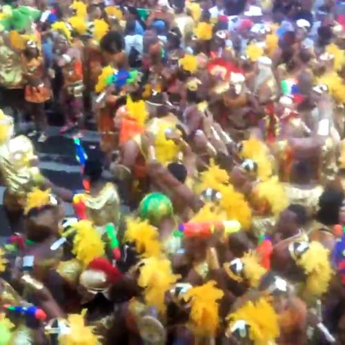 """Psirico comanda bloco """"As Muquiranas"""" no carnaval de Salvador"""