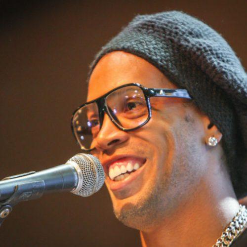 """Ronaldinho admite aposentadoria: """"Decidirei em breve"""""""