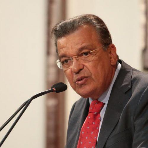 Targino pede suspensão do aumento da taxa pela emissão da Guia de Trânsito Animal