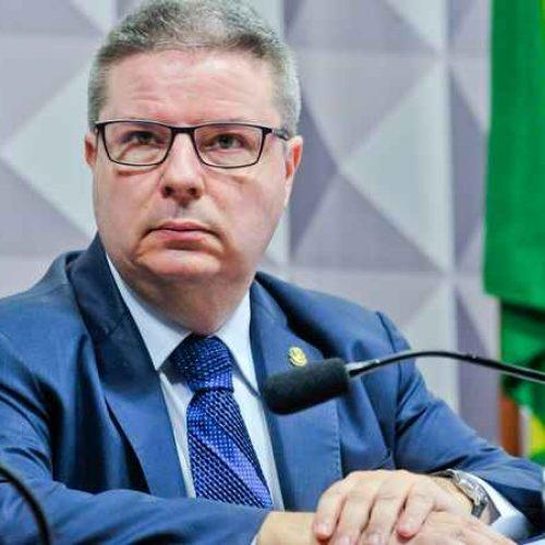 Vice-presidente da CCJ mantém prazo e Moraes só será sabatinado na semana que vem