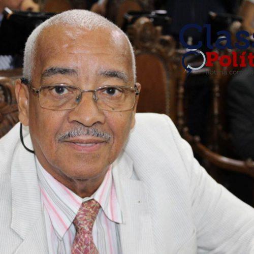 Câmara de Salvador: Alfredo Mangueira sai em defesa dos taxistas