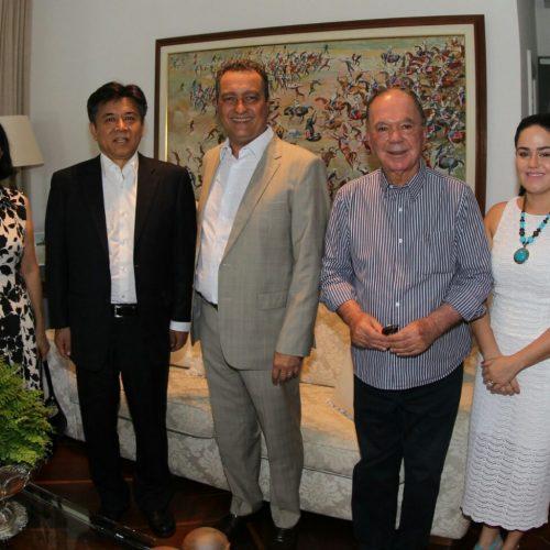 Em pleno Carnaval, Rui recebe chineses interessados em investir na Bahia