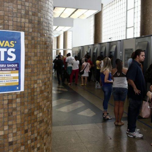 Agências da Caixa abrem neste sábado para saque da conta inativa do FGTS