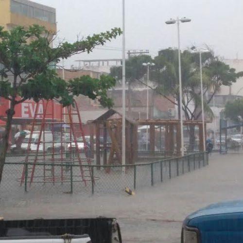 Carolino questiona a  falta de limpeza de canais da Boca do Rio