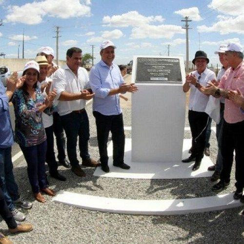 Com investimento de R$ 9 milhões, governador Rui entrega estrada em Riachão do Jacuípe