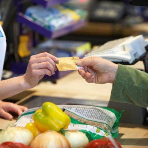Confiança do consumidor atinge maior nível desde outubro de 2014