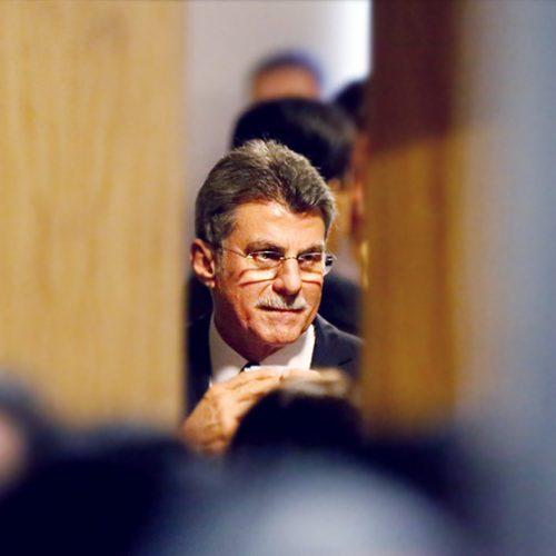 Deputados divulgam carta pedindo saída de Jucá da presidência do PMDB