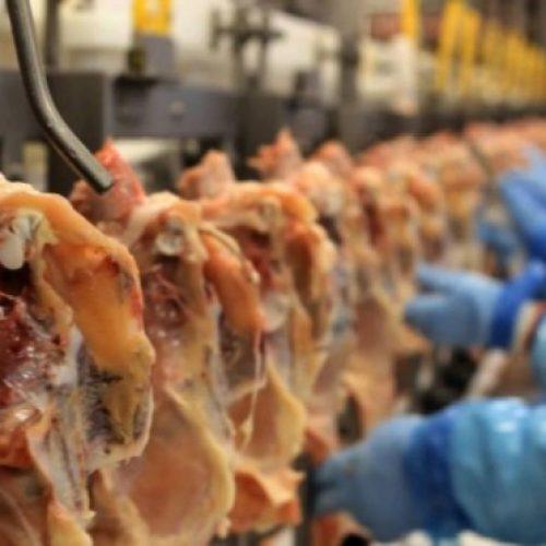 Chile retira veto total a carne do Brasil e mantém suspensão para 21 frigoríficos