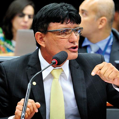 Homem que fingia ser deputado federal para aplicar golpes é preso na cidade de Itatim
