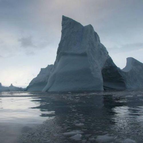 Iceberg gigante está perto de soltar-se na Antártida
