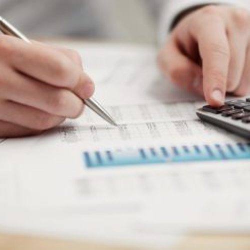 Juros altos fazem procura por crédito cair 4% em fevereiro
