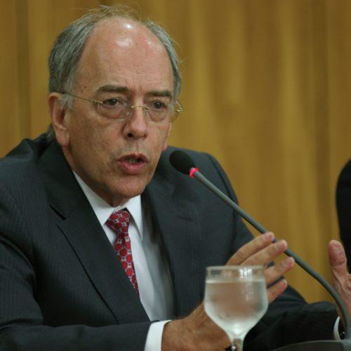 Petrobras vai manter redução de custos e atual política de preços, diz Parente