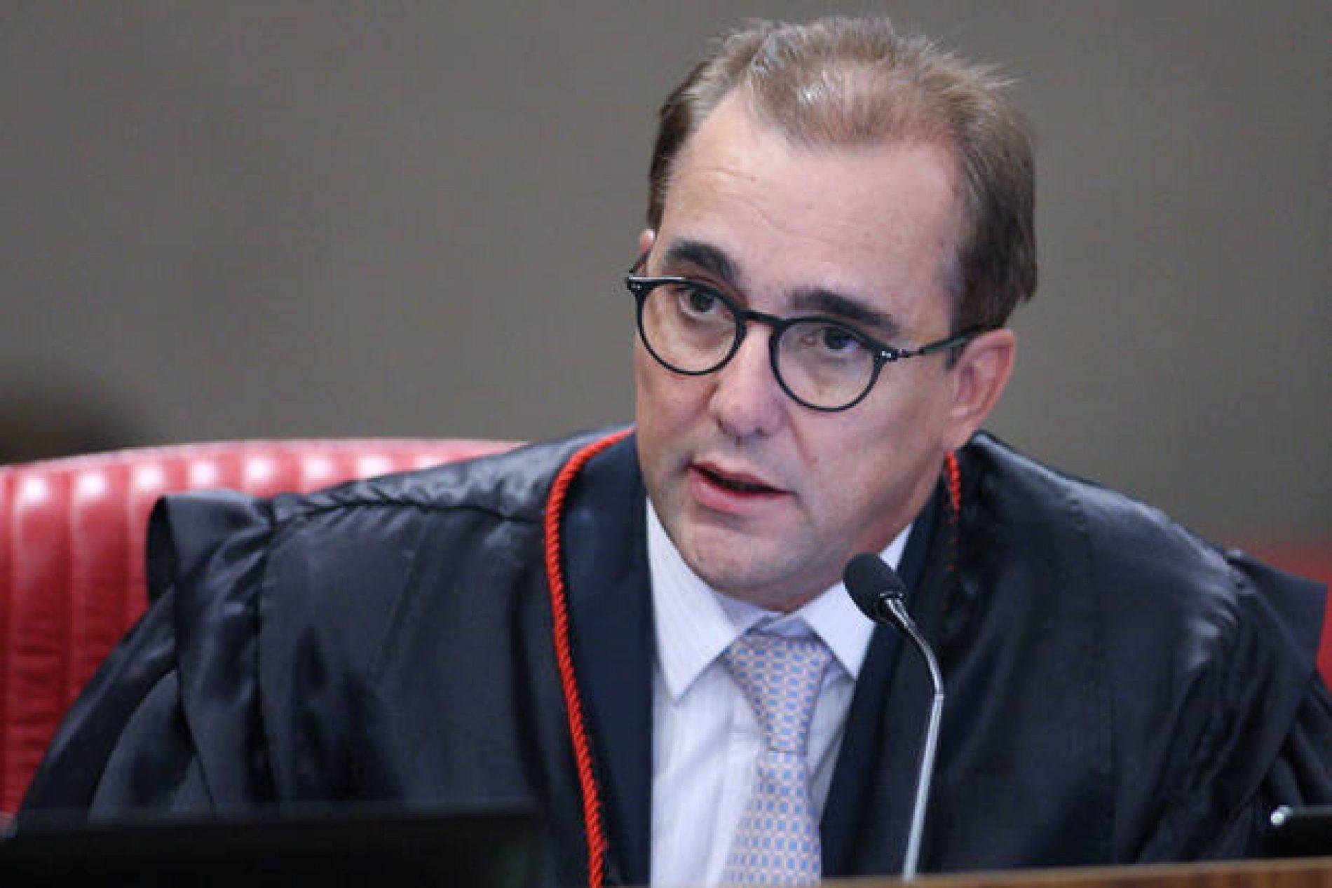 Temer nomeia Admar Gonzaga novo ministro do TSE
