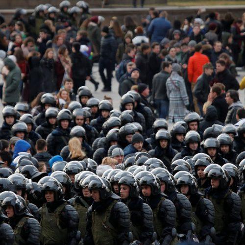 UE exige libertação de detidos em manifestação anticorrupção na Rússia