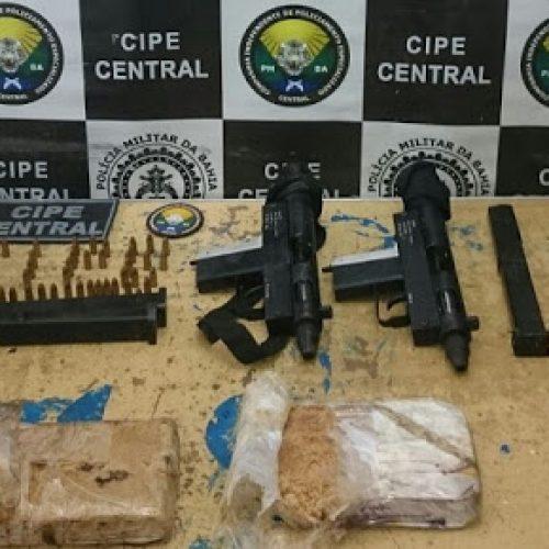 Itagibá: Submetralhadoras e quase 2kg de crack são apreendidos em Acaraci