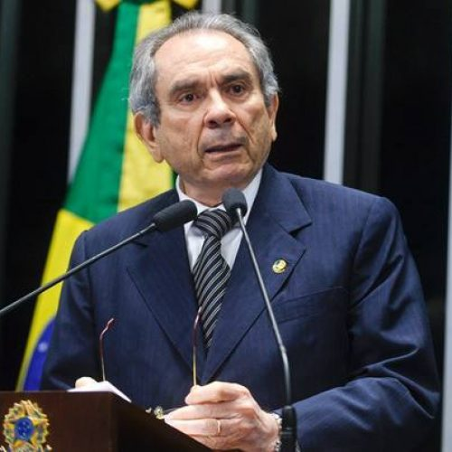 Agência aluga e reforma imóvel de senador com gasto de R$ 2 milhões