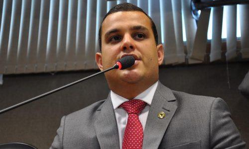 Alex Lima critica fechamento da Subseção Judiciária de Alagoinhas