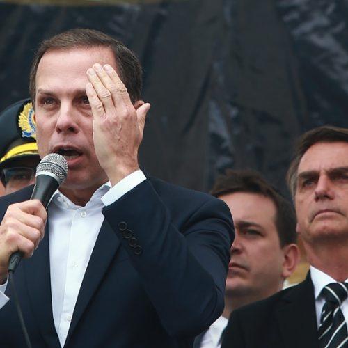 Cotados para Presidência, Doria e Bolsonaro dividem palanque em evento