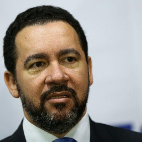 Dyogo Oliveira é efetivado como ministro do Planejamento