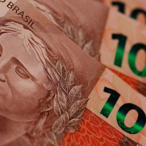 Governo propõe aumento do salário mínimo para R$ 979 em 2018