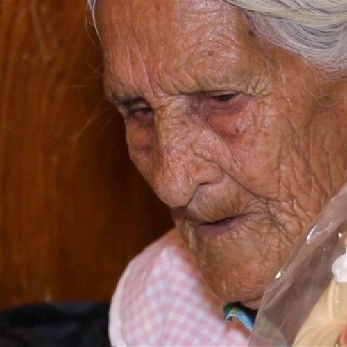 """Idosa de 116 anos tem cartão recusado em banco por ser """"velha demais"""""""
