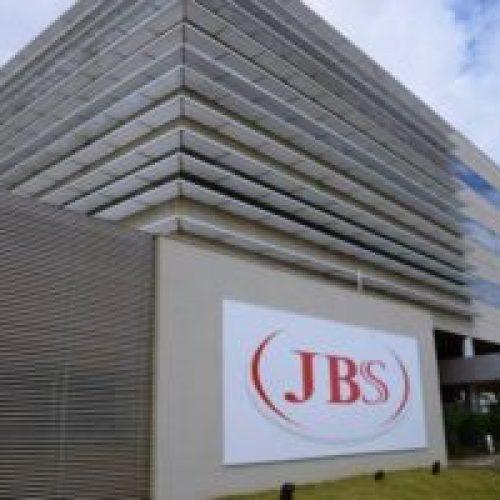 """Juiz vê """"risco à saúde pública"""" e mantém executivo da JBS na cadeia"""