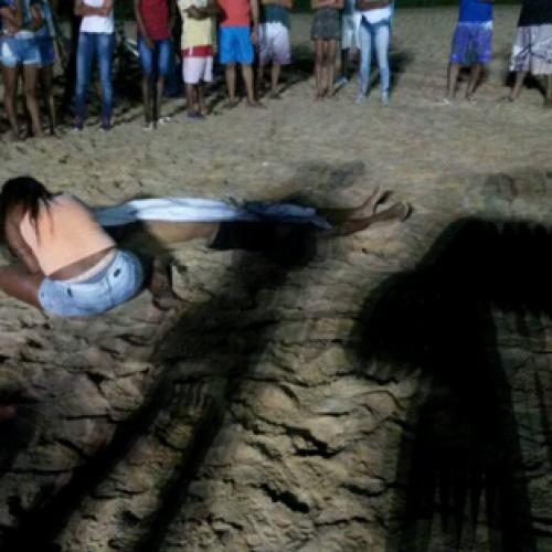 Jovem de 22 anos é assassinado a tiros em campo de futebol em Ipiaú