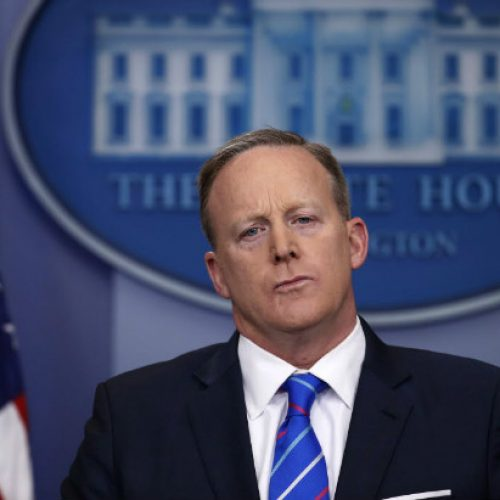 Porta-voz da Casa Branca se desculpa por comparar ataque na Síria ao Holocausto