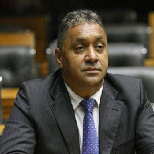 """Tiririca renuncia ao mandato de deputado federal: """"Saio totalmente com vergonha"""""""